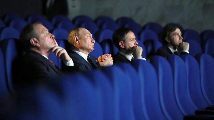 Путин смотри фильм Зоя