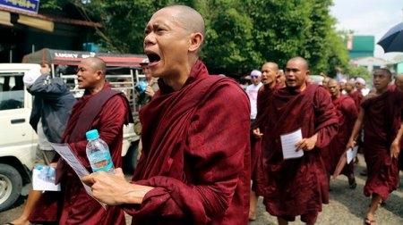 Ситуація в М'янмі : хто правий, а хто винний?
